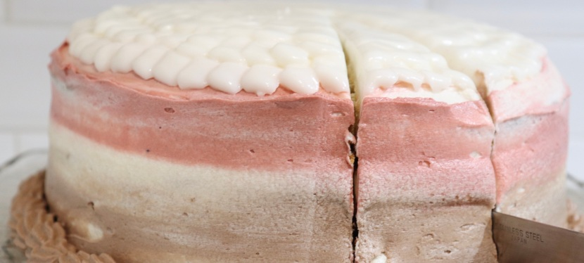 Neapolitan Cake : Chocolate, Strawberry & Vanilla
