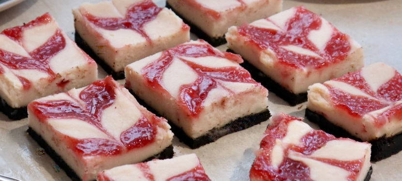 Strawberry Cheesecake Bars with Oreo crust
